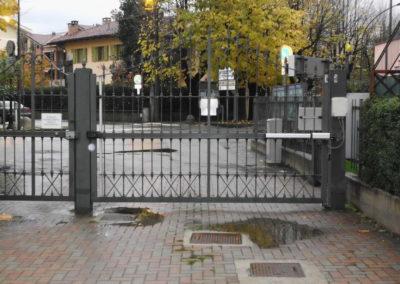 Cancello ad ante battenti